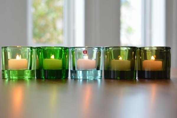 イッタラ kivi  ウォーターグリーンにキャンドルを灯してみます。