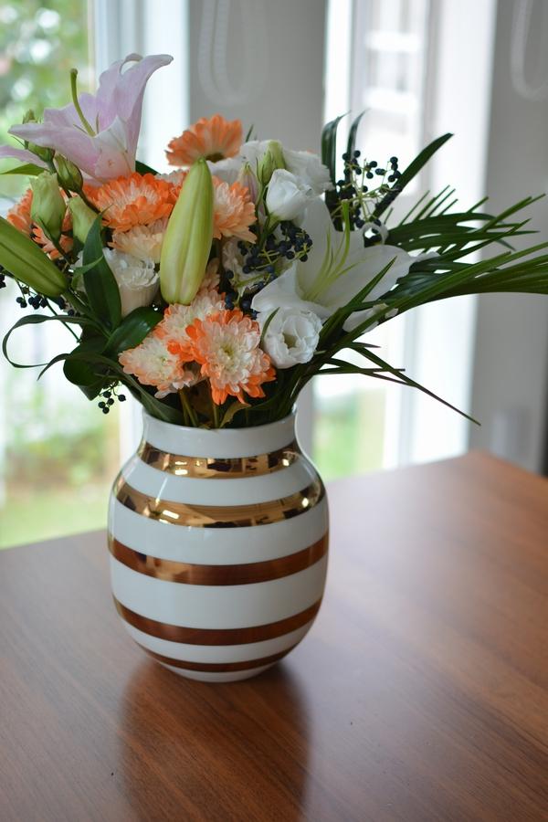 オマジオ アニバーサリーベース M ブラスと花
