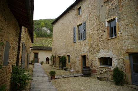 La Source des Fées 16th century house and courtyard