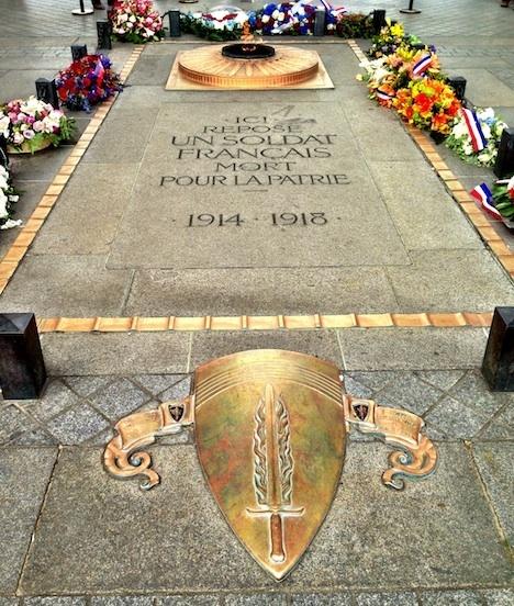 Ici repose un soldat Français mort pour la patrie 1914–1918