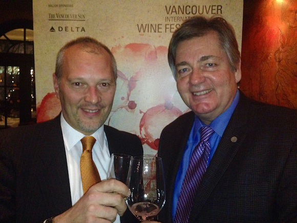 Consul General of Italy Massimiliano Iacchini (l) and VIWF executive director Harry Hertscheg