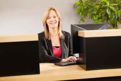 a working bank teller
