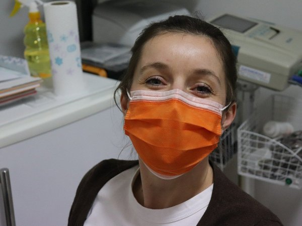 surgical mask, nurse, covid-19
