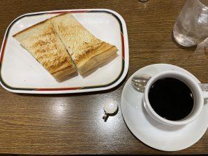 コンパルのハムトーストとホットコーヒー