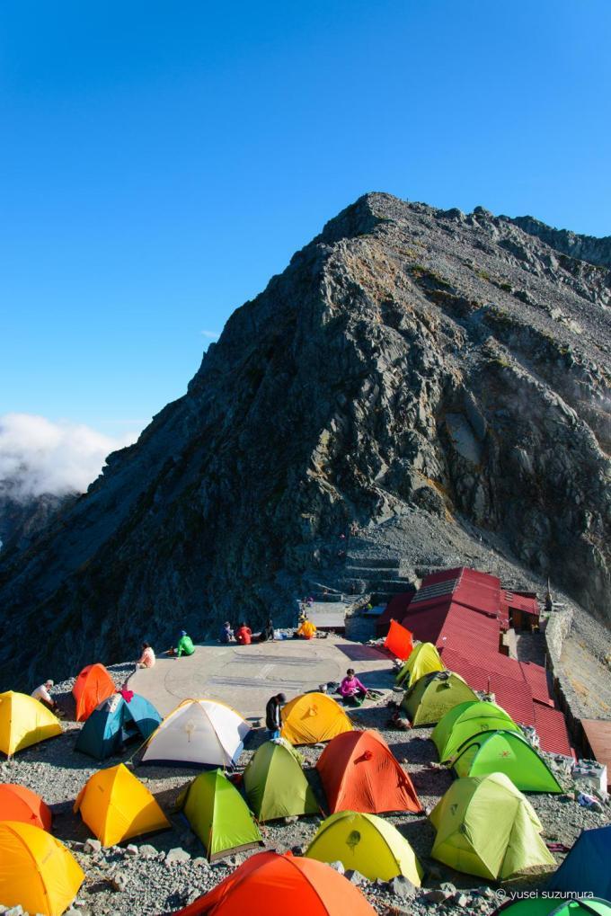 穂高岳山荘のテントたち