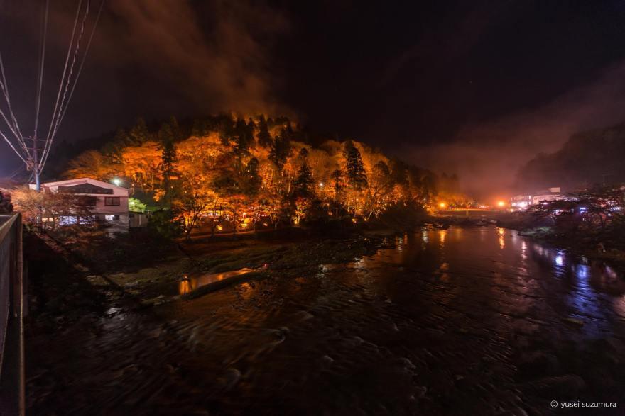 香嵐渓のライトアップの全景