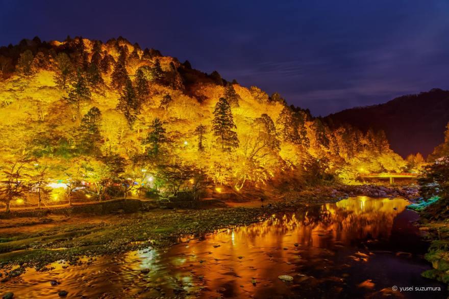 香嵐渓 山 ライトアップ