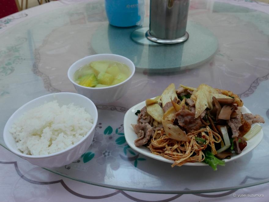 食事 ホテル 中国東方航空