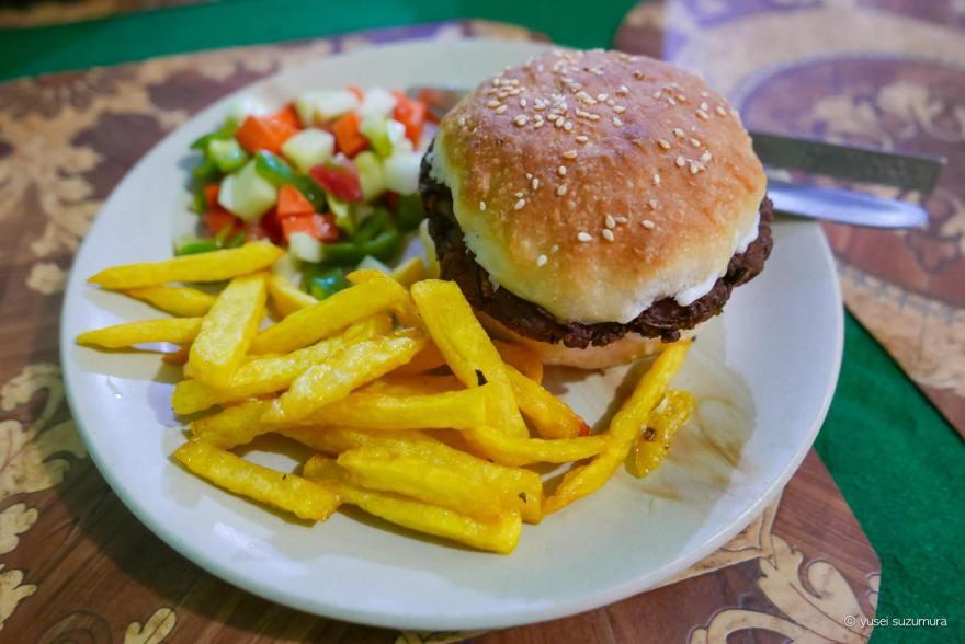 ラマユルレストラン ハンバーガー
