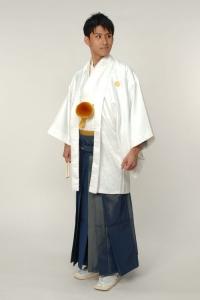ホワイト紋付袴