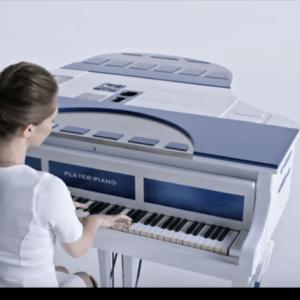 Youtubeで見つけた!ロシア美人ピアニストが演奏するゲーム、映画音楽がカッコ良過ぎる!【PLAYER PIANO】