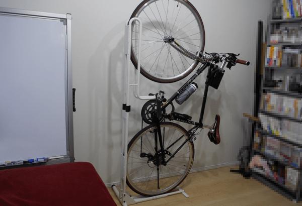 [凹] サイクルロッカーのスタンドでロードバイクを部屋置き!