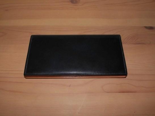 新社会人メンズにオススメのちょっとハイレベルな素材のGANZOの国産コードバン長財布。