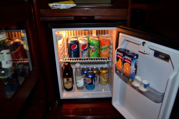 [凹] シェアハウスの「部活動」で「共用冷蔵庫問題」を解決?!