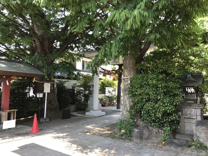 前川神社境内