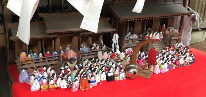 氷川女体神社巫女人形
