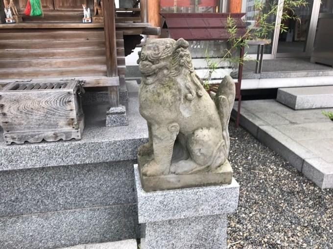 日比谷神社狛犬右