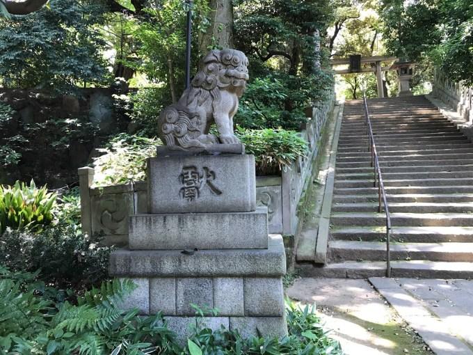 赤坂氷川神社狛犬5左
