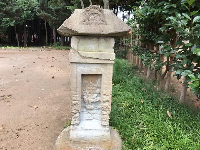 峯ヶ岡八幡神社諏訪社石像
