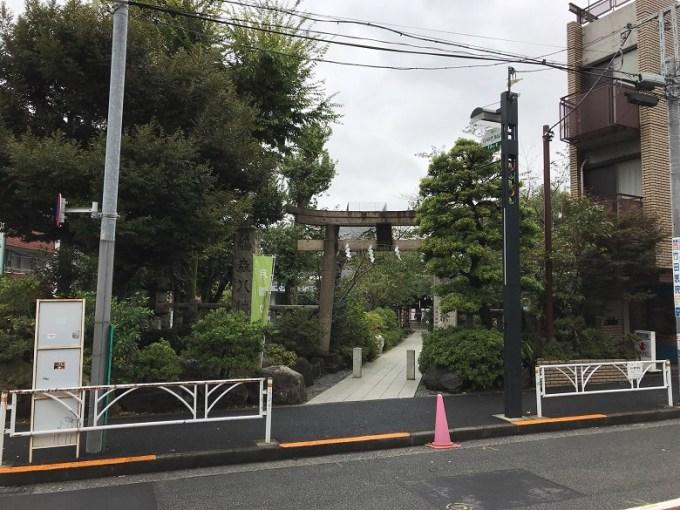鳩森八幡神社正面鳥居
