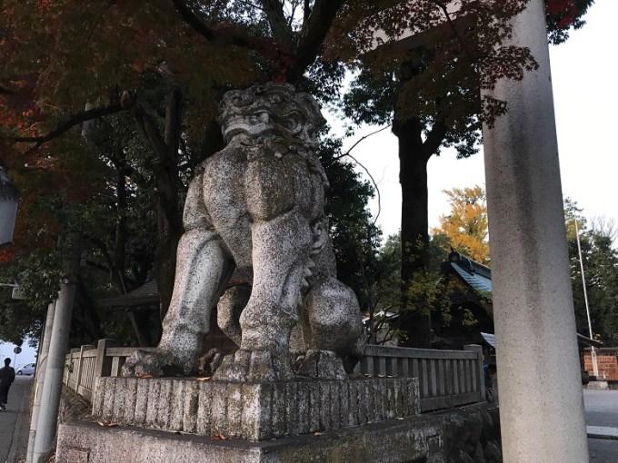 秩父神社狛犬左