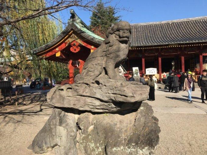 浅草神社狛犬左1