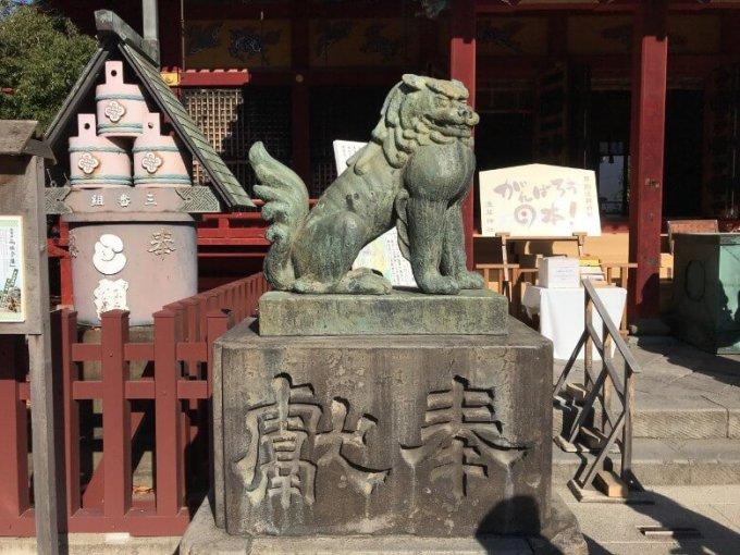 浅草神社狛犬左2