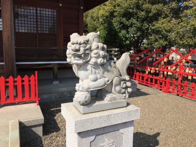 朝日氷川神社狛犬右