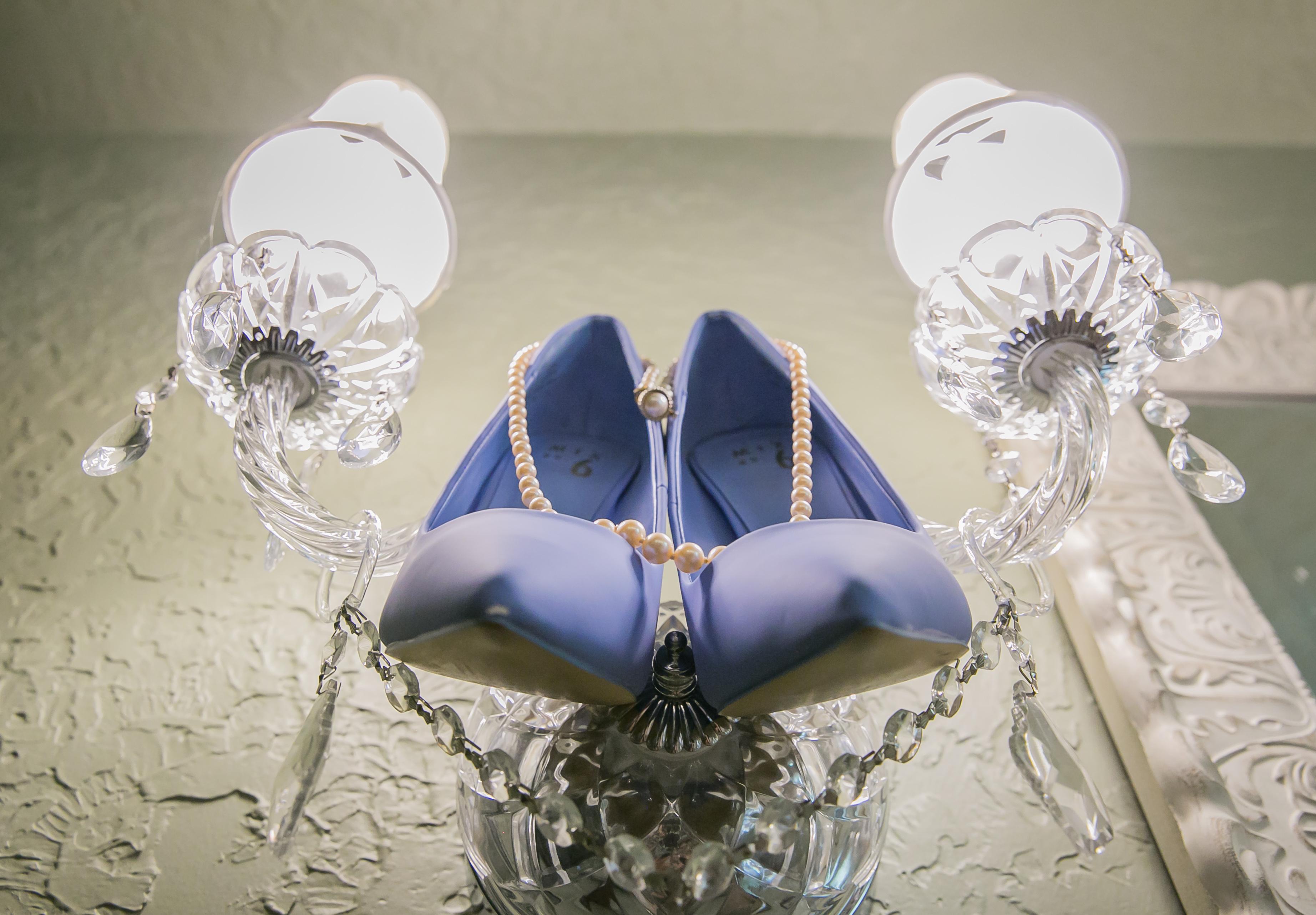 wedding shoe_hisandhersfoto