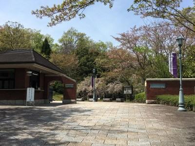 京田辺キャンパス「正門」