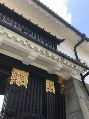 修復された「東大手門」