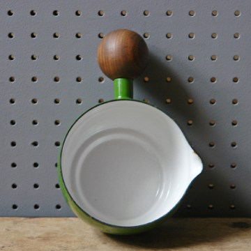 Green vintage Aubecq saucepan | H is for Home