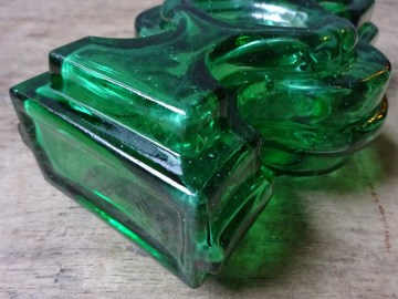 Vintage green glass vase | H is for Home
