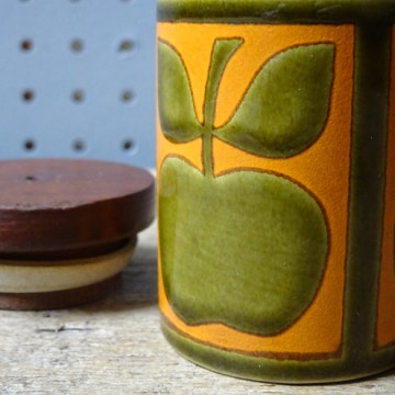 Vintage Hornsea Pottery apple salt shaker | H is for Home