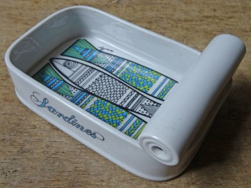 Vintage Logan Shafford sardines tin dish | H is for Home