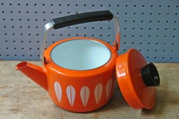 Vintage orange Cathrineholm kettle | H is for Home