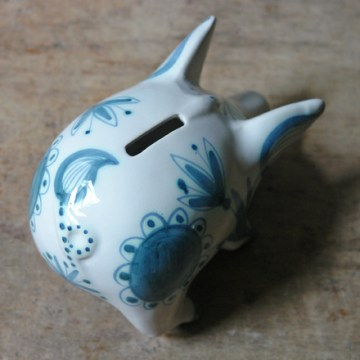 Vintage pottery piggy bank