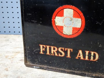 Vintage Sanoid first aid tin   H is for Home