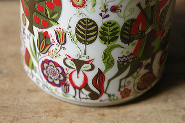 Detail of a vintage Bidasoa porcelain lidded pot | H is for Home