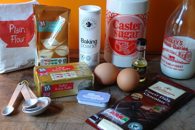 Home-made almond loaf cake ingredients