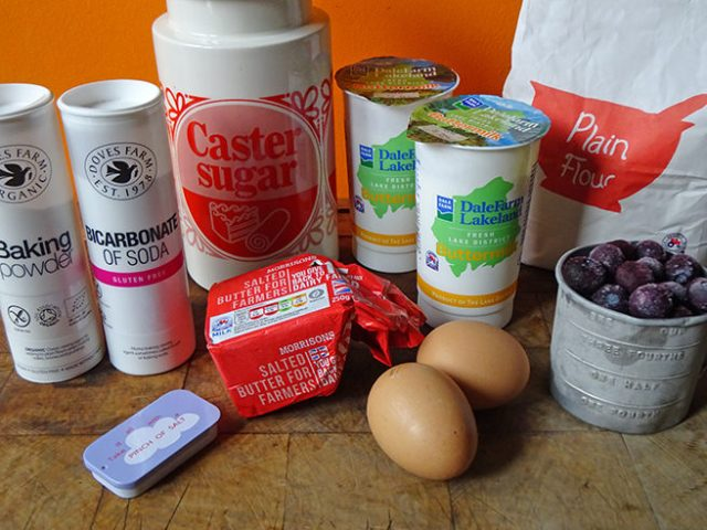 Home-made buttermilk pancakes ingredients