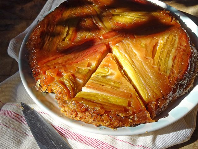 Home-made rhubarb upside-down cake | H is for Home