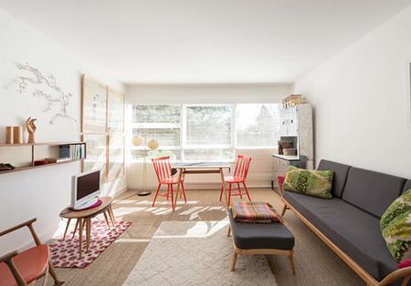 Minimalist, vintage decorated sitting room