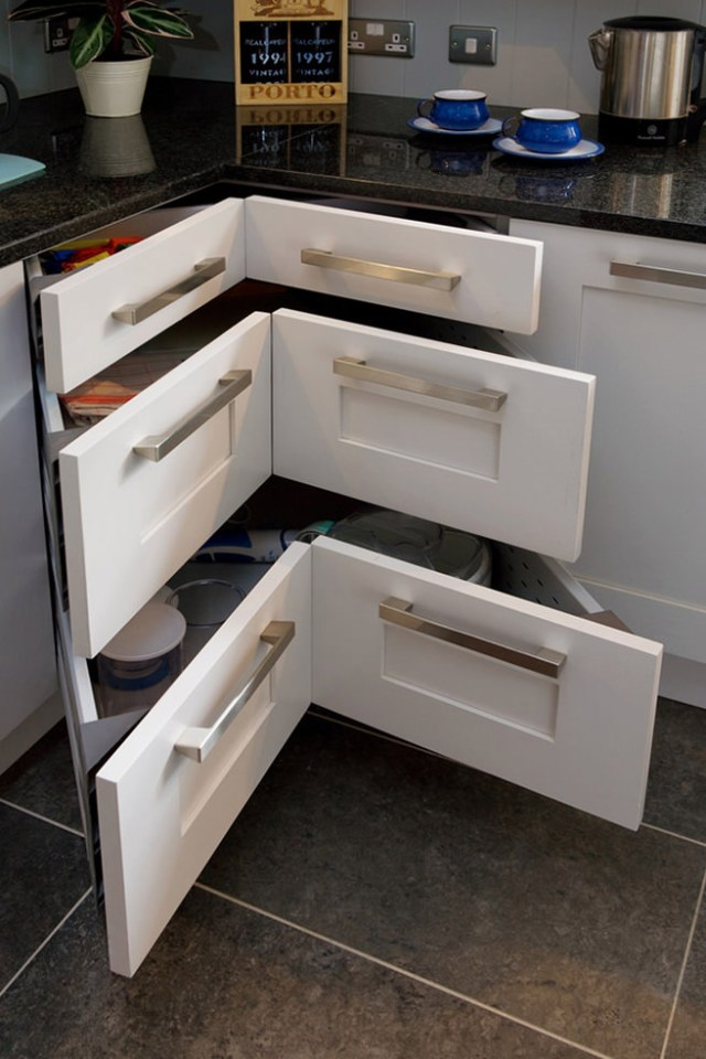 Corner built-in kitchen drawers