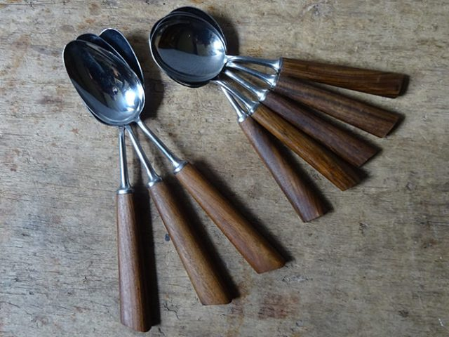 Vintage Mills Moore soup spoons and dessert spoons | H is for Home