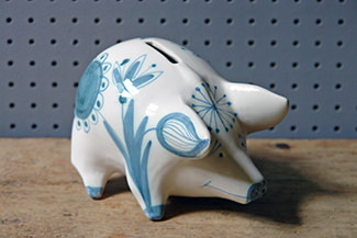Vintage hand painted pottery piggy bank | H is for Home