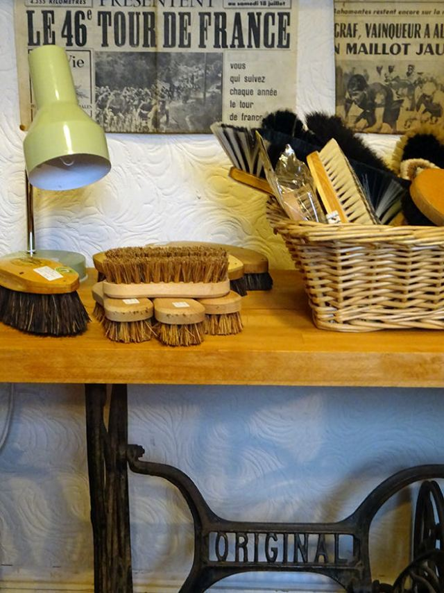New sold stock - various vintage cleaning brushes | H is for Home
