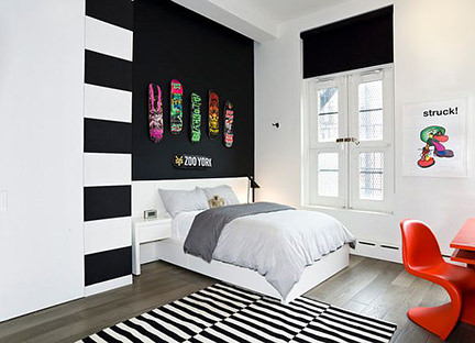 Teenage boy's bedroom with a black & white colour scheme