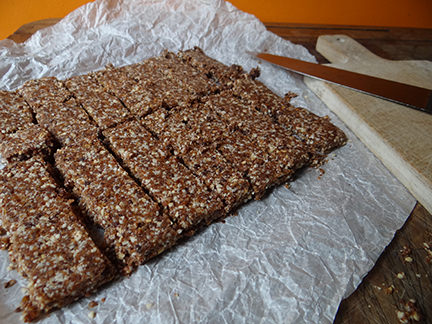 Date and nut energy bars