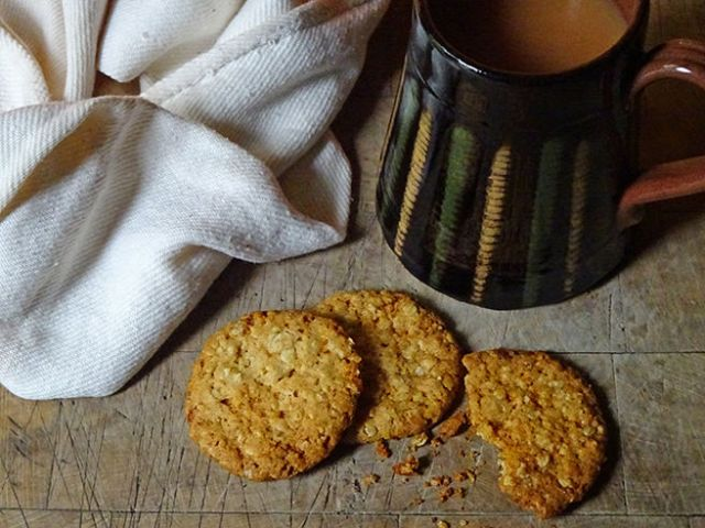Home-made hobnobs with mug of tea | H is for Home #recipe #biscuits #cookies #baking #cookery